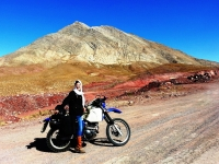Riding the Dasht-e Lut desert